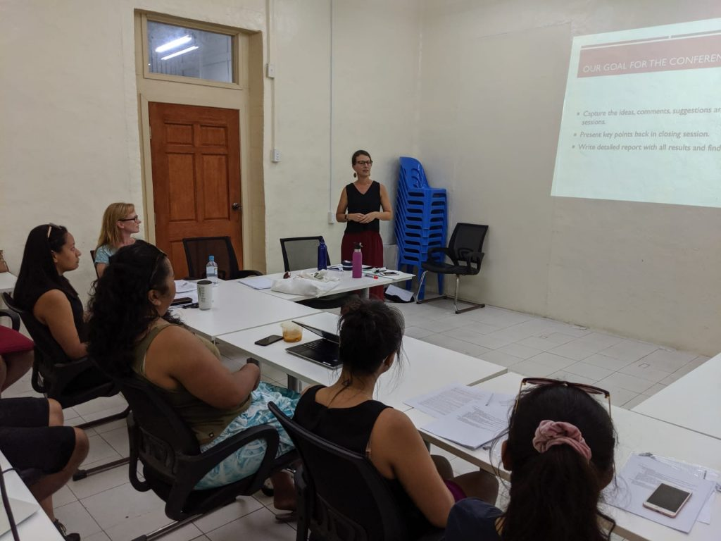 Owner, Melanie running a workshop with five participants